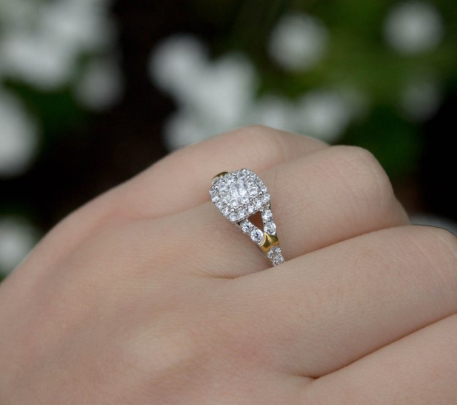Diamond_Engagement_Ring_On_A_Budget