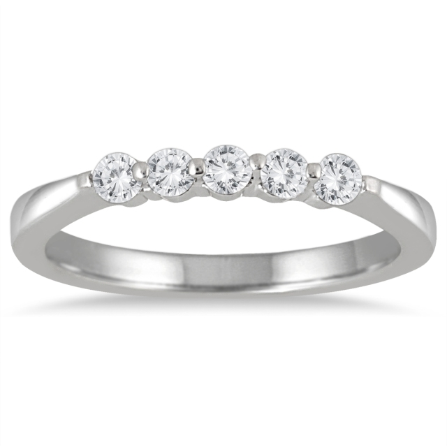 DIAMONDS_WHITE_GOLD_WEDDING_BAND