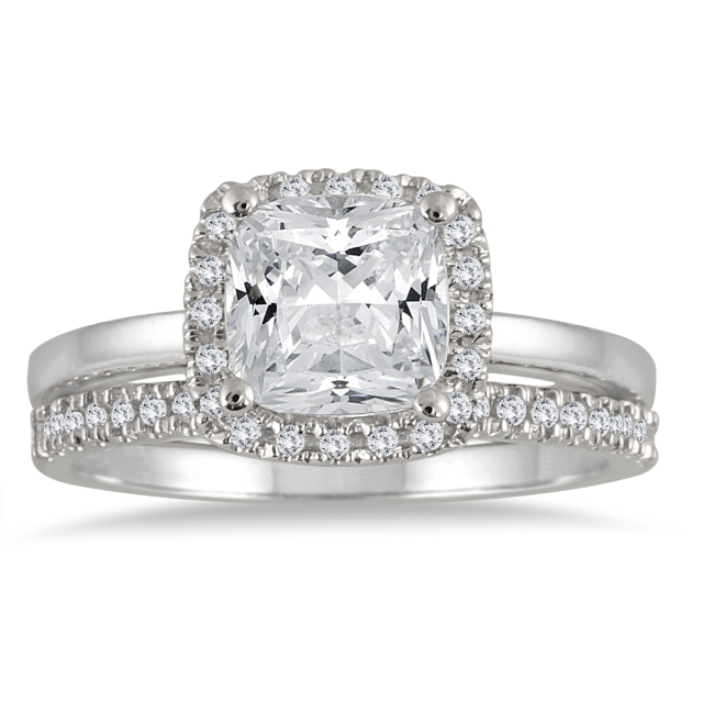 Szul_CUSHION_DIAMOND_Engagement_Ring