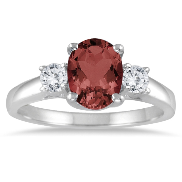 GARNET_AND_DIAMOND_THREE_STONE_ENGAGEMENT_RING